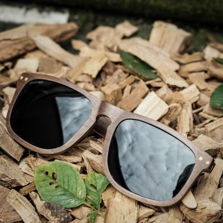 Flat Top Style Walnut Wood Sunglasses