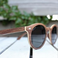 Round Style Walnut Wood Sunglasses