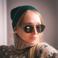 Round Style Wood Sunglasses With Steel Bridge